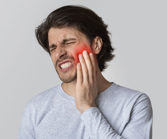 Unannounced toothache can be painful and disturbing. Call Bellevue Azalea Dentistry in case of dental emergencies.